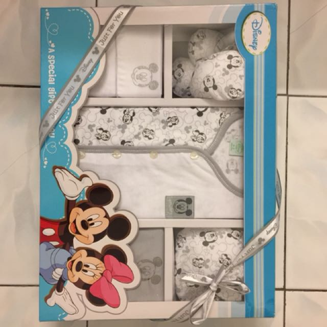 a4f17bb8d Newborn mickey mouse set with pants, top, hat, mitten and booties ...