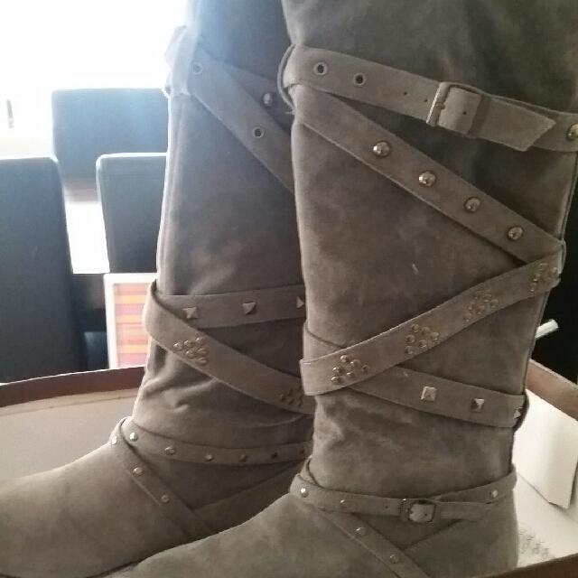 Novo Grey Boots Size 8 Brand New