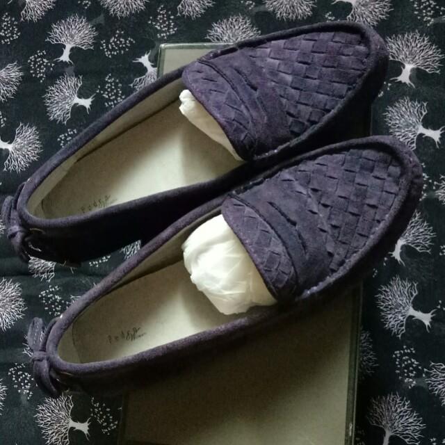 Sepatu pedro masih baru