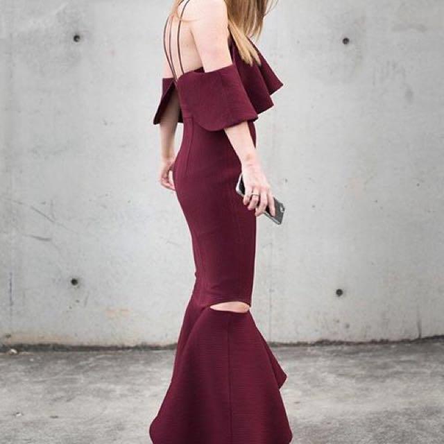 Sheike High Society Dress Size 6 (fits 8)