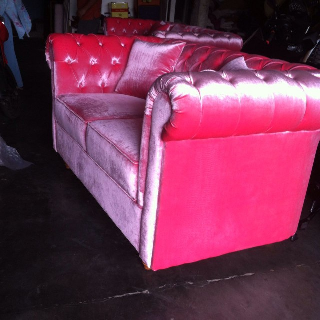 Sofa 3 Seater Pink Casterfil NFR43
