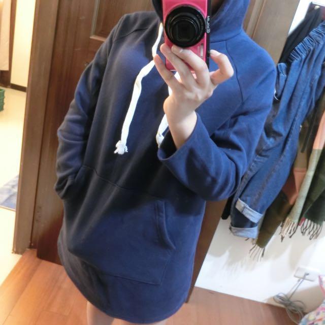 深藍色長版加絨帽T