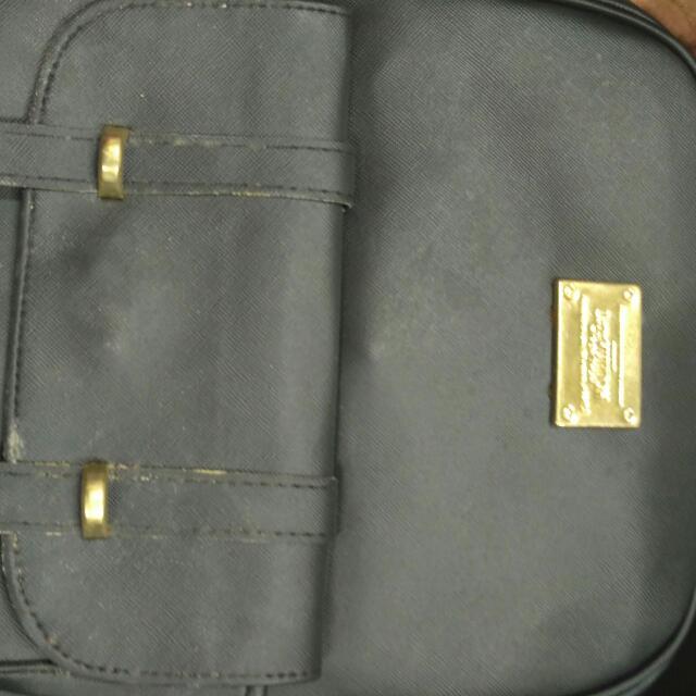 Tas Backpack Hitam