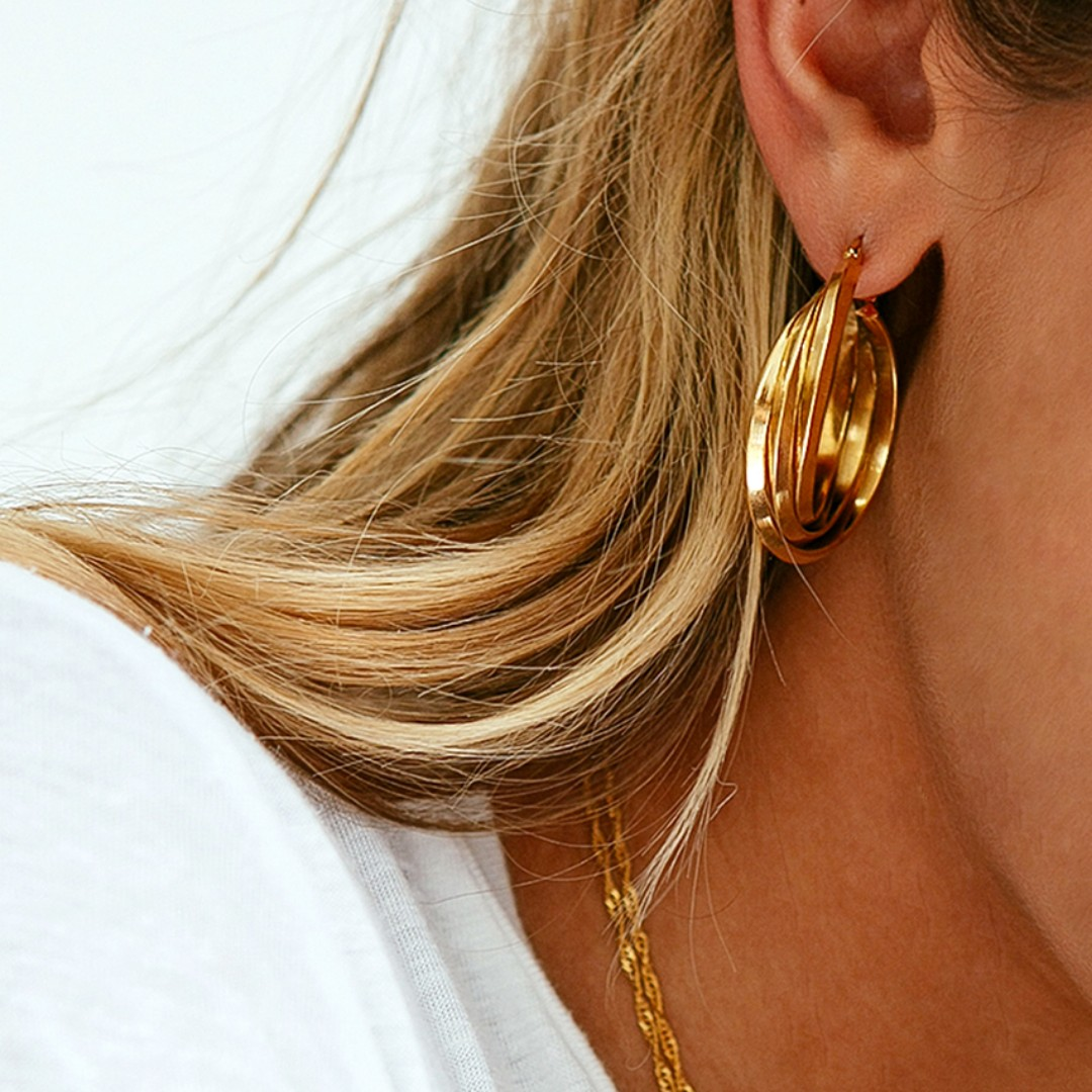 Verge girl - Amalia Gold Hoops