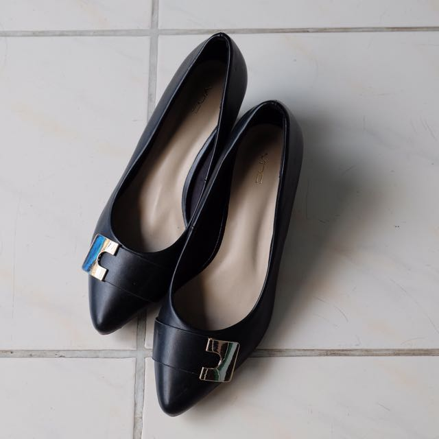 VNC heels black