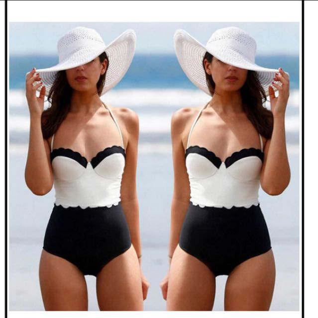 XL One piece Black and White Scallop Swimsuit