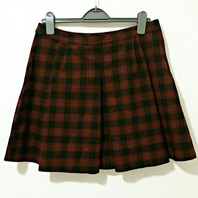 Zara Black and Red Pleaded Plaid Skirt