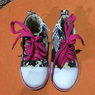 Preloved girl highcut floral shoes