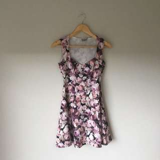 Asos floral quilted dress size 6