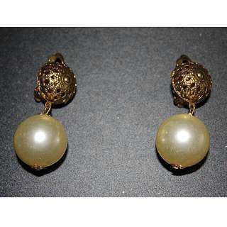 Large Pearl Clip-on Earrings