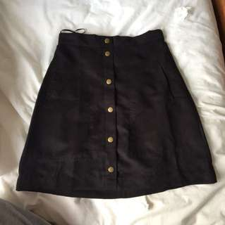 Little one(wildpair) faux suede skirt size 8