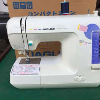 Portable sewing machine ( Jaguar CS 313)