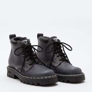 Roots Tuff Winter leather Boots - 7.5
