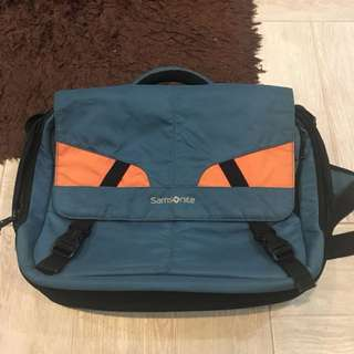Samsonite Messenger Laptop Bag