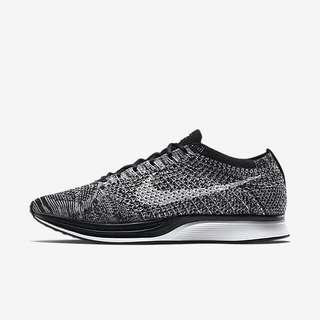 Nike Flyknit Racers Oreo