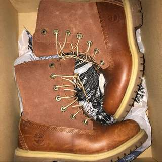 Timberland Boots Women's Size 6