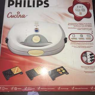 BNIB Philips Cucina 3 in 1 Waffle Iron, Toaster and Grill