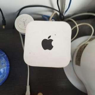 apple  wifi   2tb   無合  一切正常今天交收可平五十