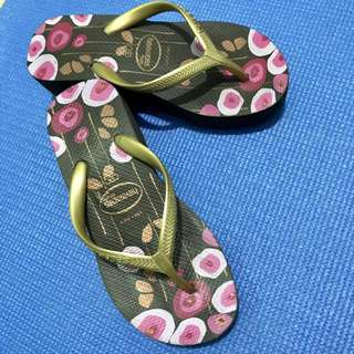 Authentic havaianas high wedge slippers