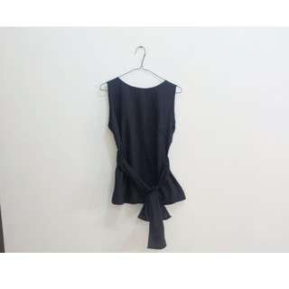 black tied top