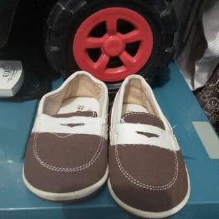 Sepatu coolbaby
