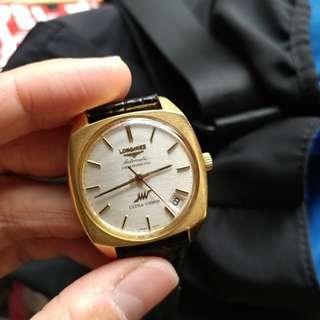 Longines ultra chron 古董錶 (日本版) , 18K 金殼 , 日曆盤於4 字位, 配60年代第一批行高頻 36000 bph機芯 , 靚狀態