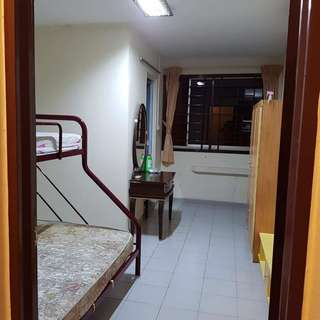 Jurong West Spacious room to rent
