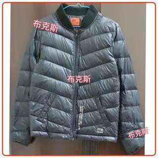 【二手】Lee 輕量可收式羽絨保暖外套 (藍黑)