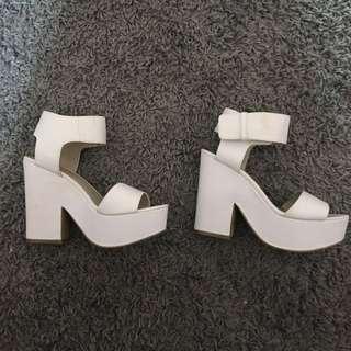 Lipstik heels size 8.5
