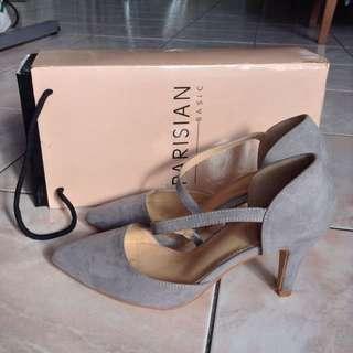 Parisian suede grey heels