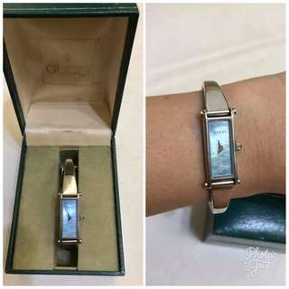 Gucci Authentic 1500L Mother of Pearl Face Bangle Watch