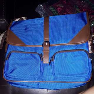 Sling bag messenger