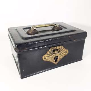 1960s Japanese Mini Safe Box / Cash Box (JPS-06-8-0817)