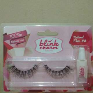 Eyelash Blink Charm