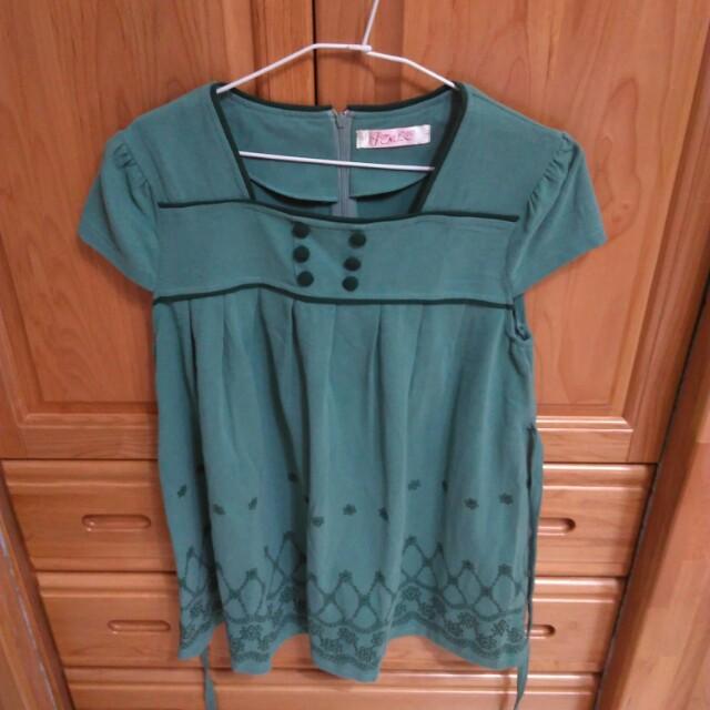 寬鬆綠色孕婦裝