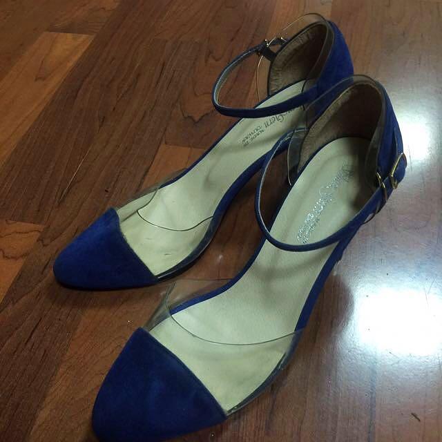 寶藍抵跟鞋