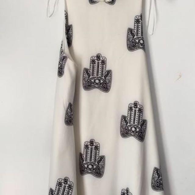 ✋ Dress