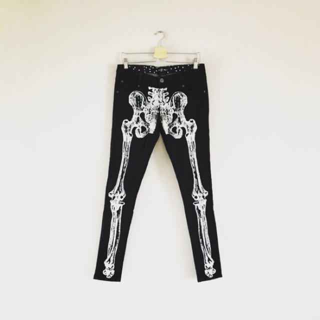 美國品牌 IRONFIST 鐵掌 骷髏設計窄管褲
