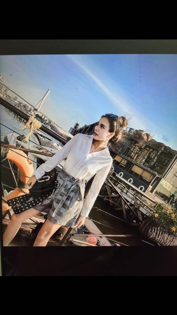 氣質韓版 V領 單排扣長袖襯衫上衣+高腰短褲套裝