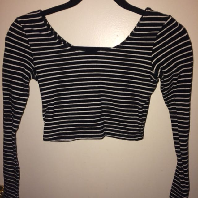 American apparel long sleeve cropped top small