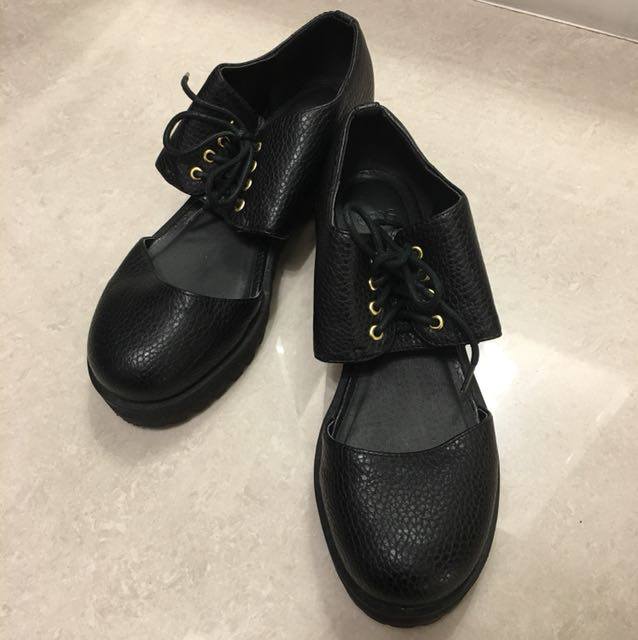 ASOS 皮革厚底簍空松高鞋