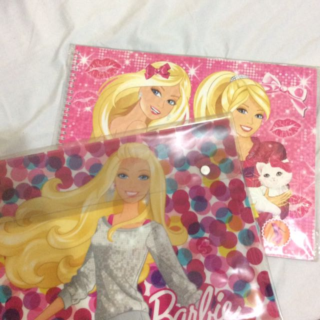 barbie folder w free drawing book