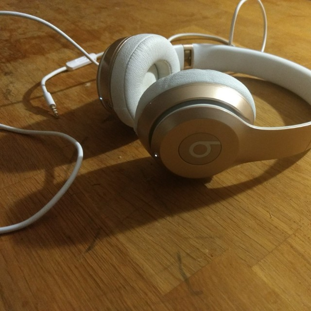 Beats Wireless Solo 2