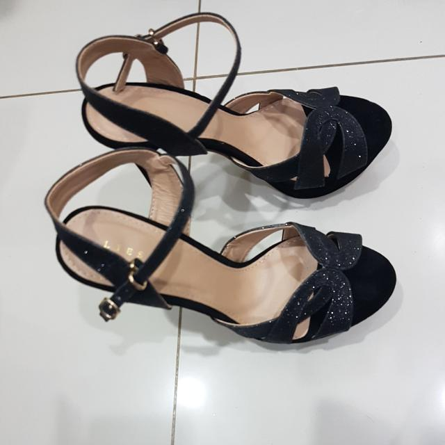 Black Suede Heels Size 37
