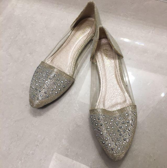 BlingBling 透明尖頭鞋