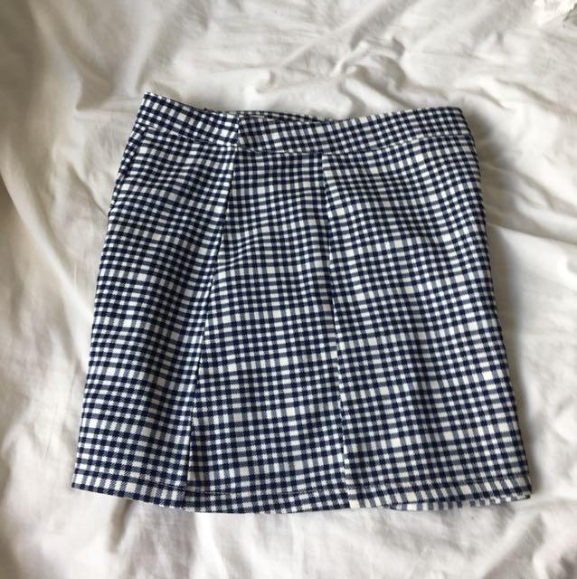 Checkered size 6 skirt