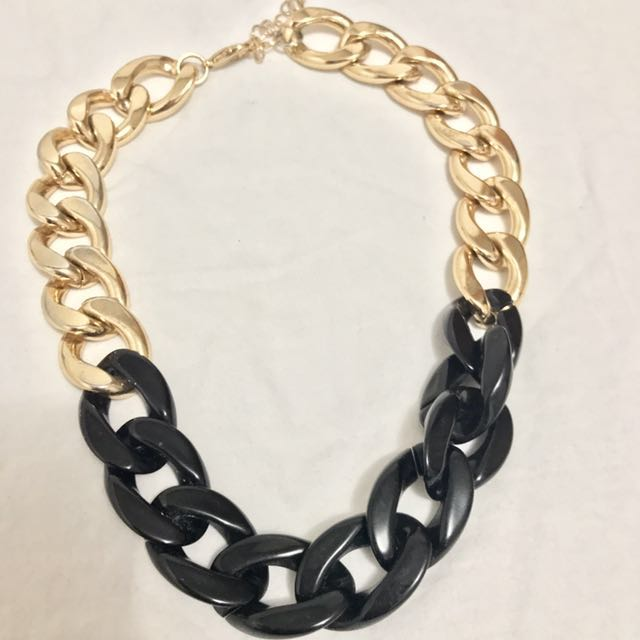 Classic Black and Gold Tone Chain Necklace