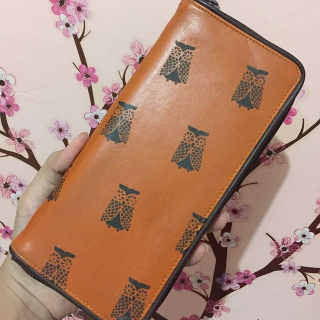 Flashy owl wallet