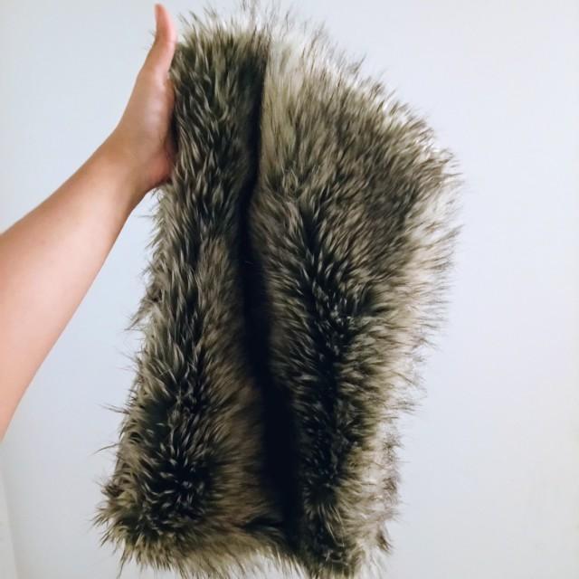 🎁 Fur infinity scarf