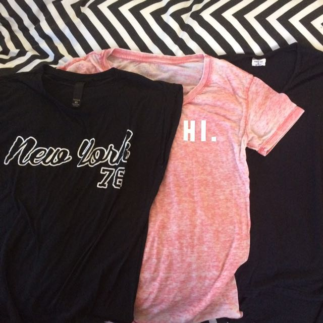 Graphic and plain tee bundle